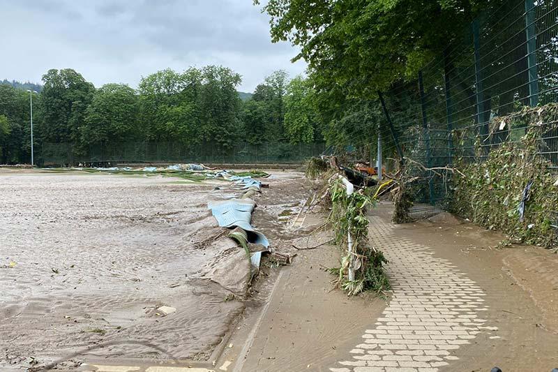 zerstörter Rasenplatz in Ahrweiler