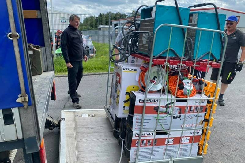 LKW mit Hilfsgütern in Ahrweiler