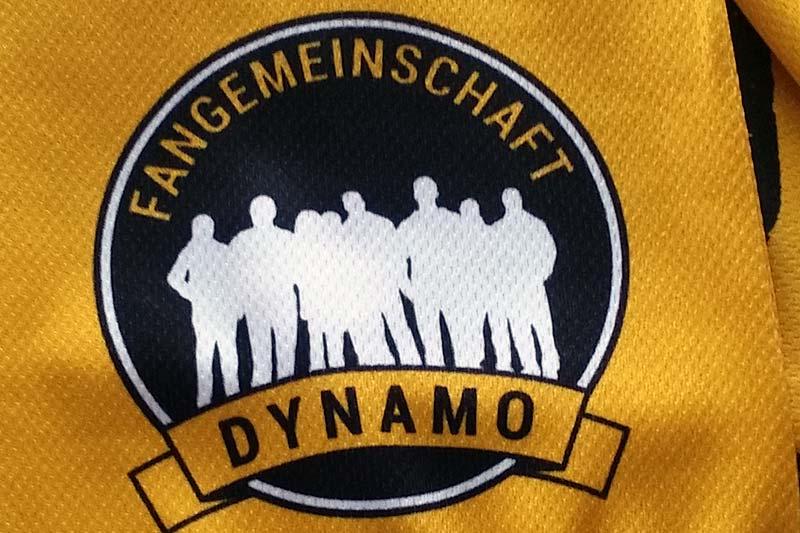 Seidenschal mit Logo der Fangemeinschaft Dynamo